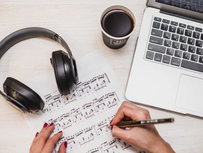 How Freedom Focus Music Helps Keep You Productive