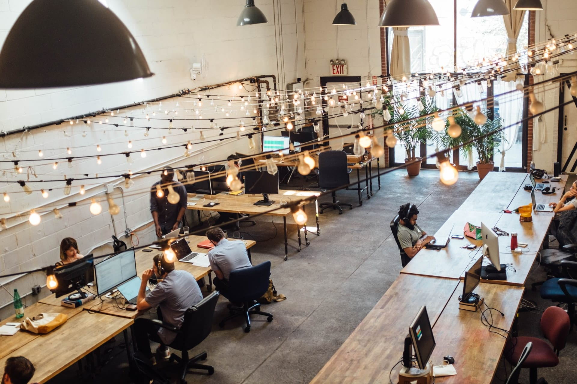 coworking space - how to thrive in a hybrid work environment